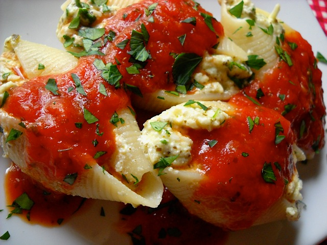 Pesto_Stuffed_Shells